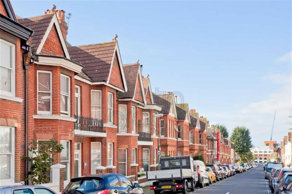 2 Bedrooms Flat for sale in Granville Road, Hove, East Sussex