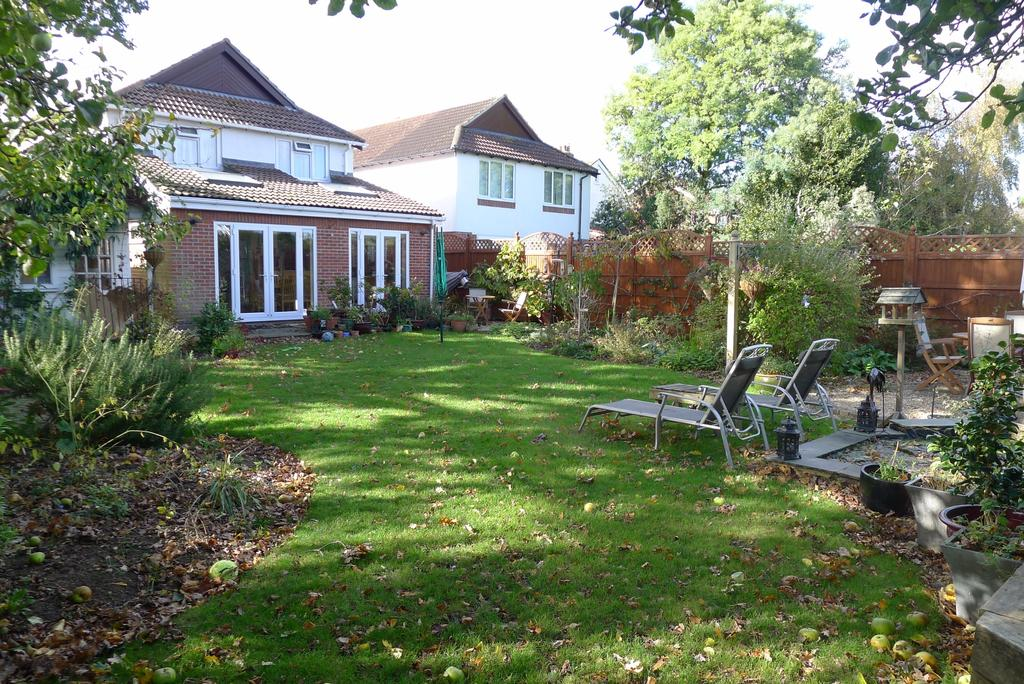4 Bedrooms Detached House for sale in FAREHAM
