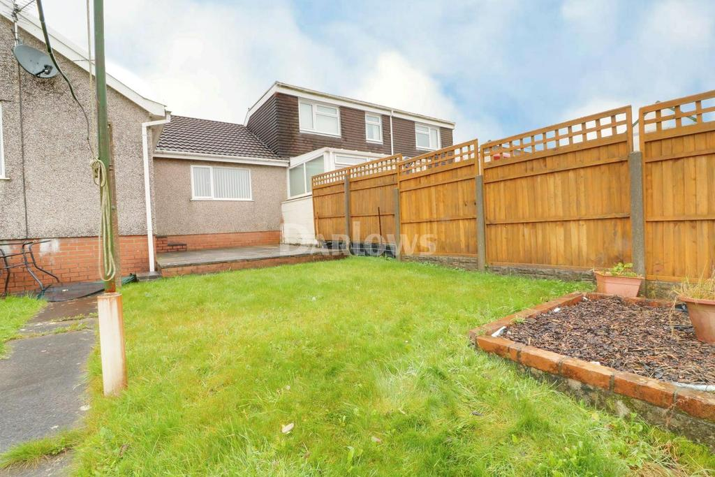 3 Bedrooms Bungalow for sale in Maes y Bryn, Tonyrefail