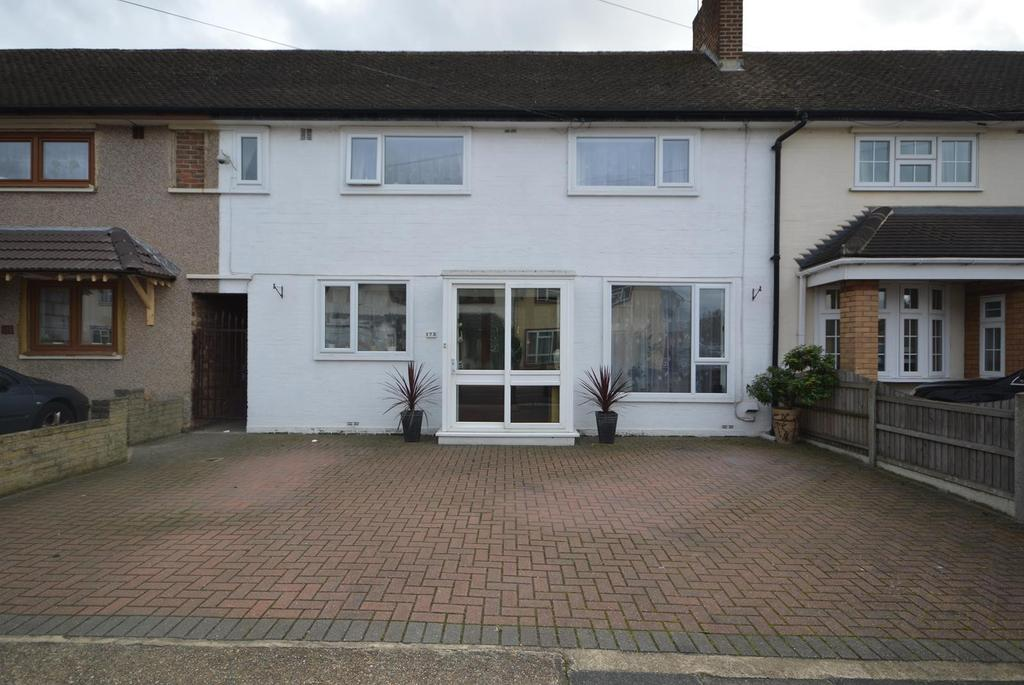 3 Bedrooms Terraced House for sale in Lynton Avenue, Collier Row, Romford, RM7