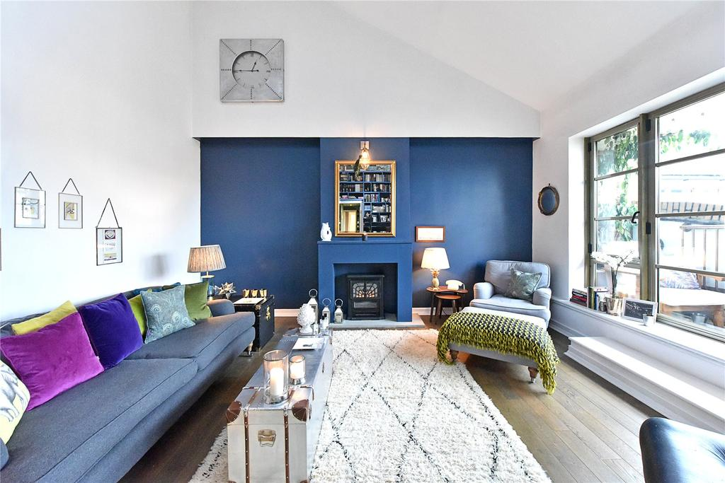 2 Bedrooms Penthouse Flat for sale in The Circle, Queen Elizabeth Street, Shad Thames, London, SE1