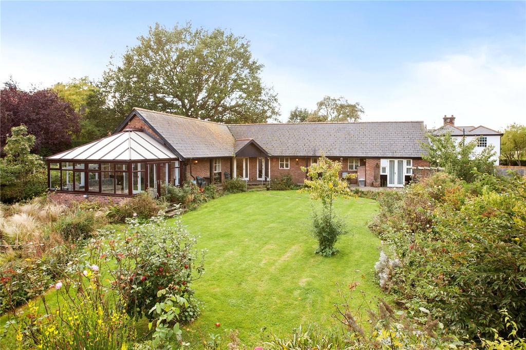 3 Bedrooms Detached Bungalow for sale in Church Street, Gestingthorpe, Halstead, Essex, CO9