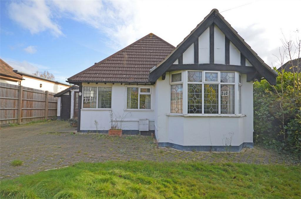 2 Bedrooms Detached House for sale in 38 Forest Drive, Theydon Bois, Essex