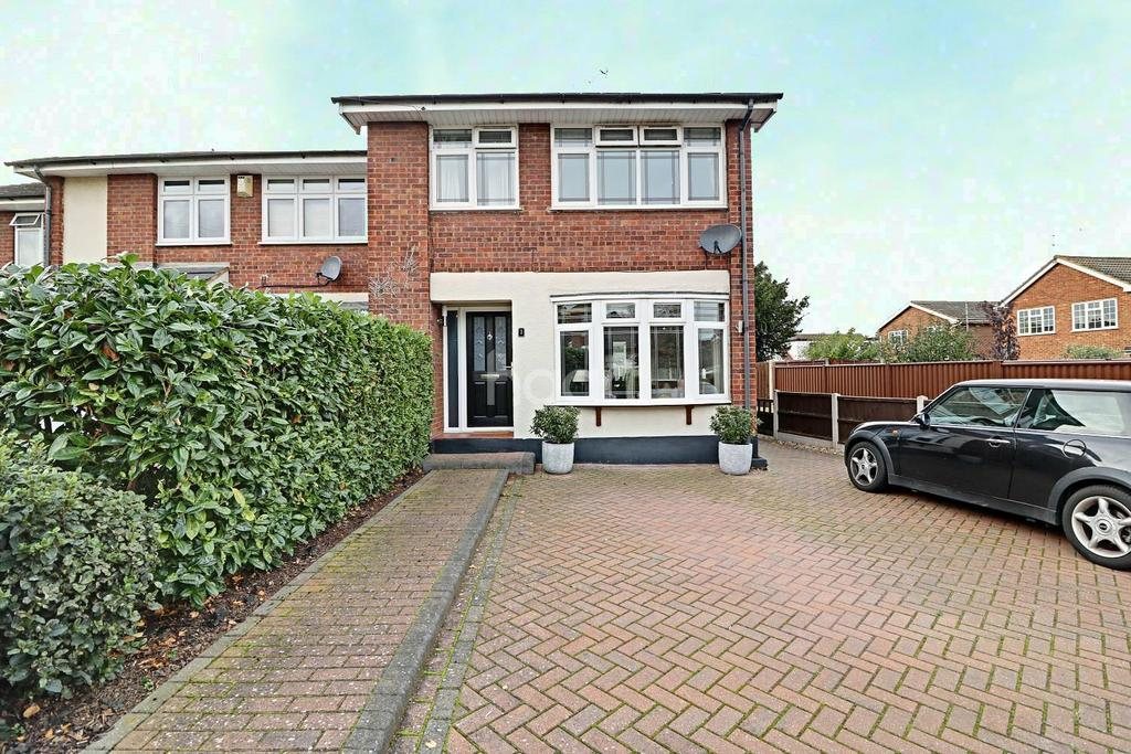 3 Bedrooms End Of Terrace House for sale in Glebe Drive, Rayleigh