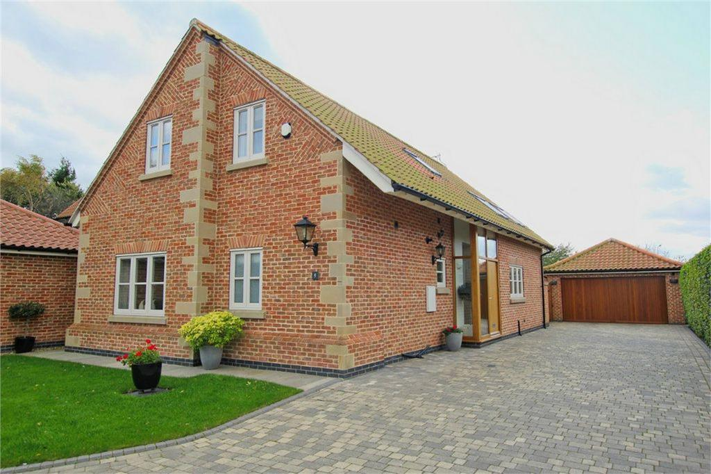 3 Bedrooms Detached Bungalow for sale in Mere Glen, Leconfield, Beverley, East Riding of Yorkshire