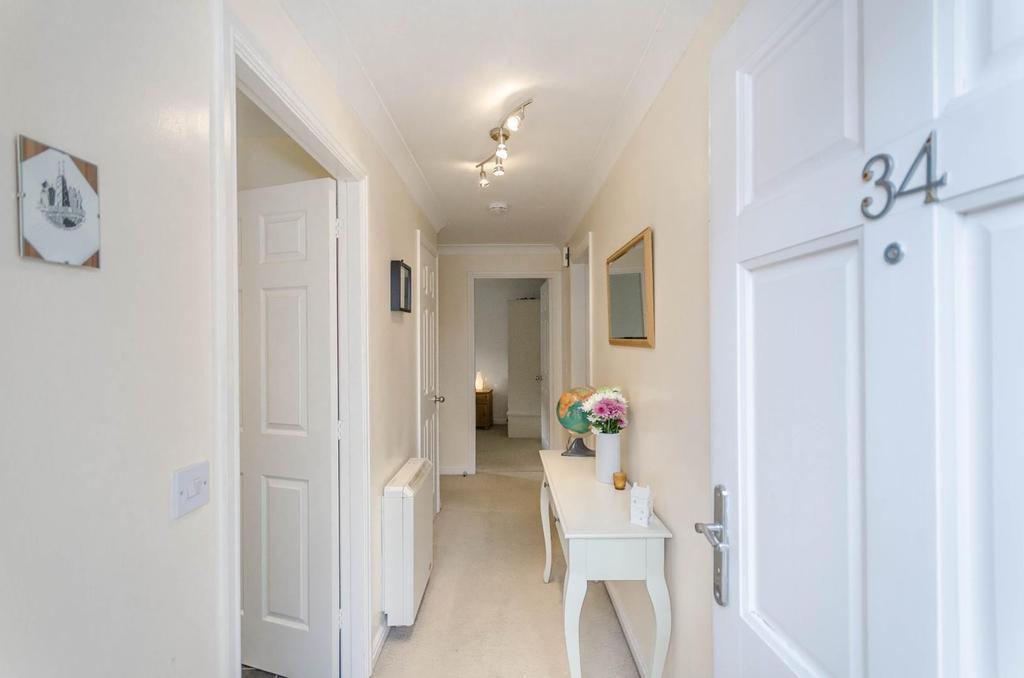 1 Bedroom Flat for sale in Wilkinsons Court, Easingwold, York