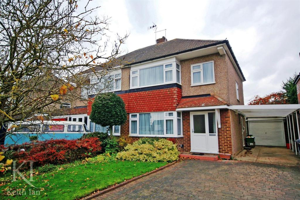 3 Bedrooms Semi Detached House for sale in Cozens Road, Ware - Move in for Christmas !