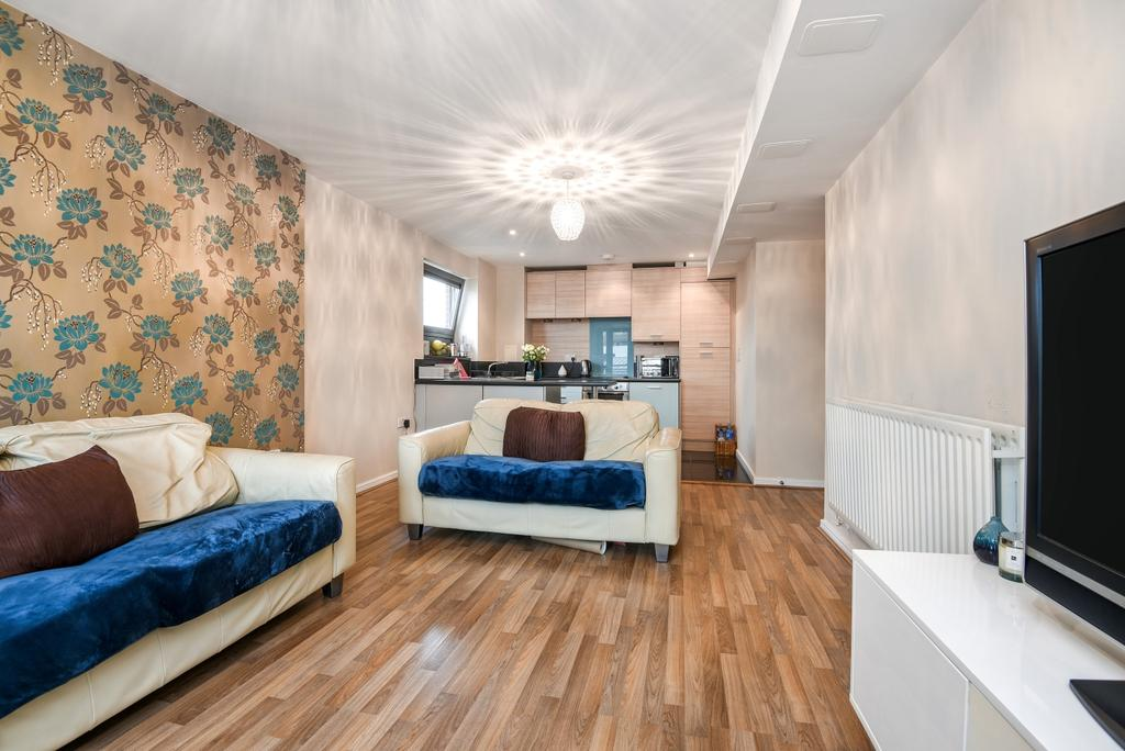 2 Bedrooms Flat for sale in Berber Parade London SE18