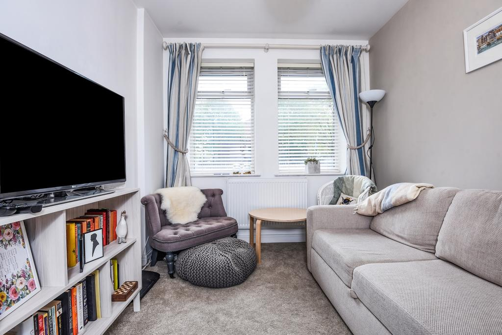 1 Bedroom Flat for sale in Creek Road London SE8