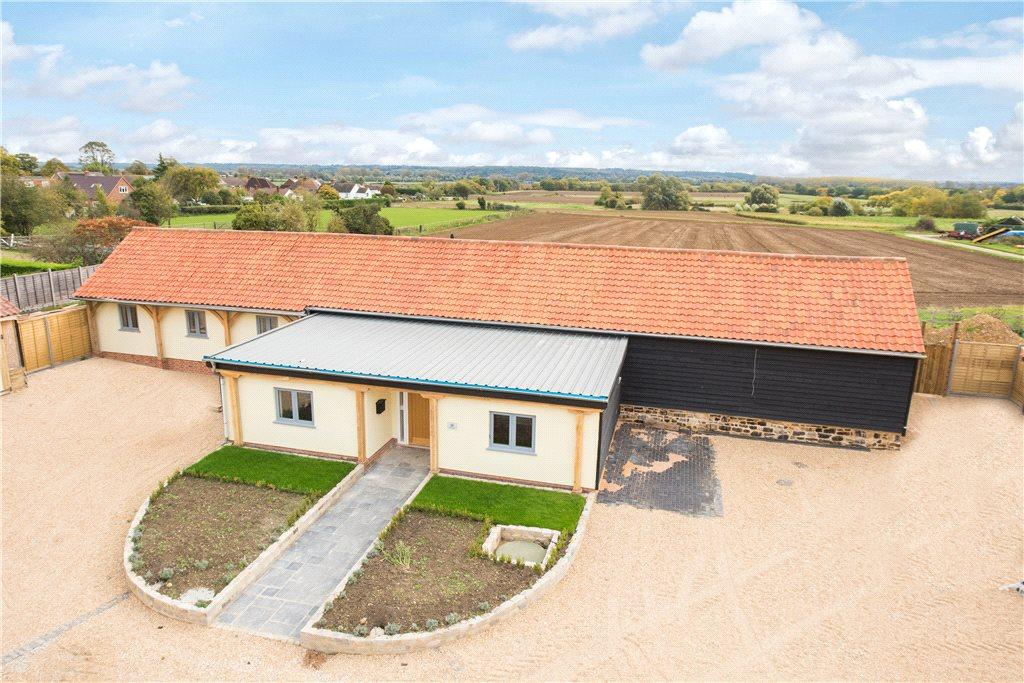 5 Bedrooms Detached House for sale in St. Johns Road, Moggerhanger, Bedfordshire