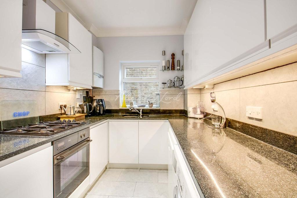 4 Bedrooms Terraced House for sale in St Alfege Passage, Greewich, SE10 9JS