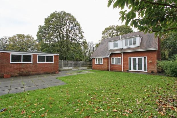 4 Bedrooms Detached Bungalow for sale in Liverpool Road Ashton In Makerfield Wigan