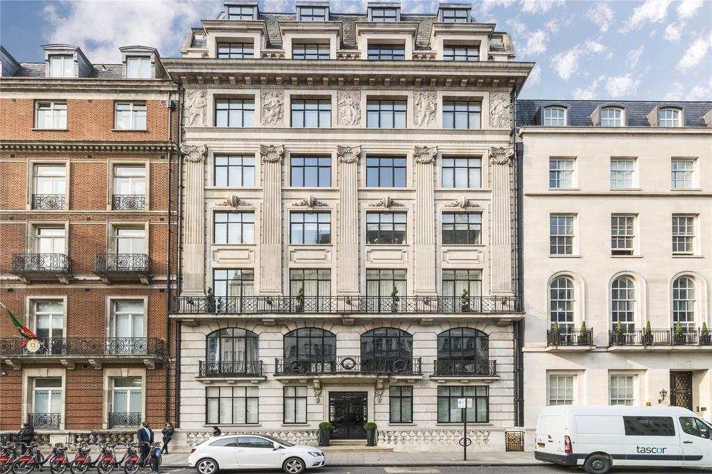 3 Bedrooms Flat for sale in Portland Place, London