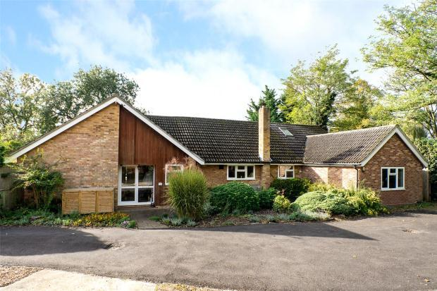 5 Bedrooms Detached Bungalow for sale in Cambridge Road, Little Abington, Cambridgeshire