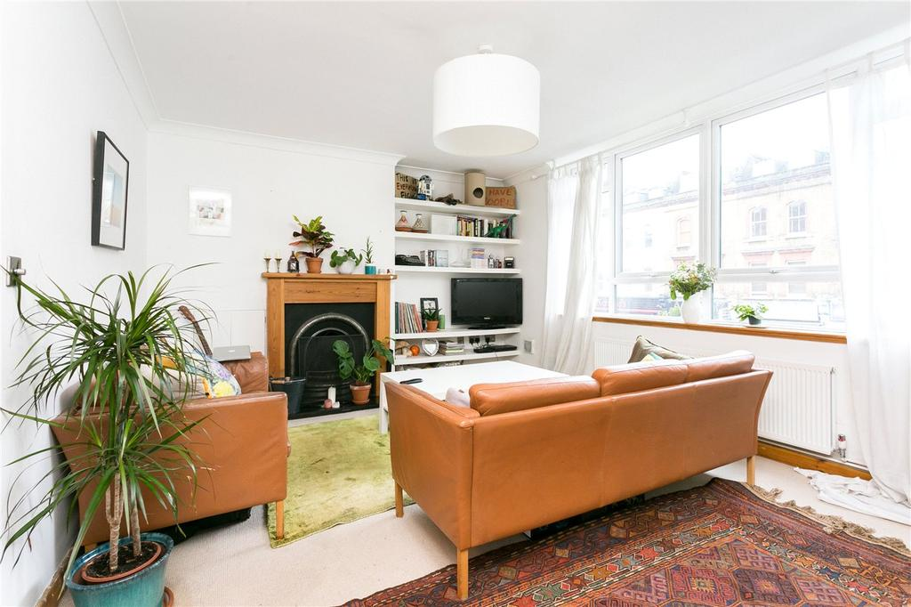3 Bedrooms Flat for sale in Waring House, Bethnal Green Road, London, E2