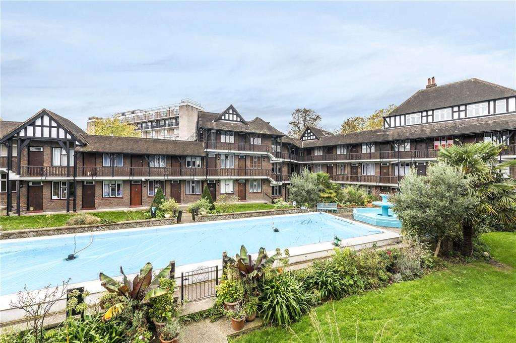 1 Bedroom Flat for sale in Tudor Close, Brixton Hill, London, SW2