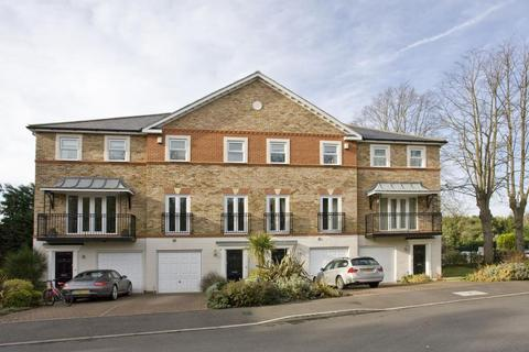 4 bedroom townhouse to rent - Sunningdale, Berkshire