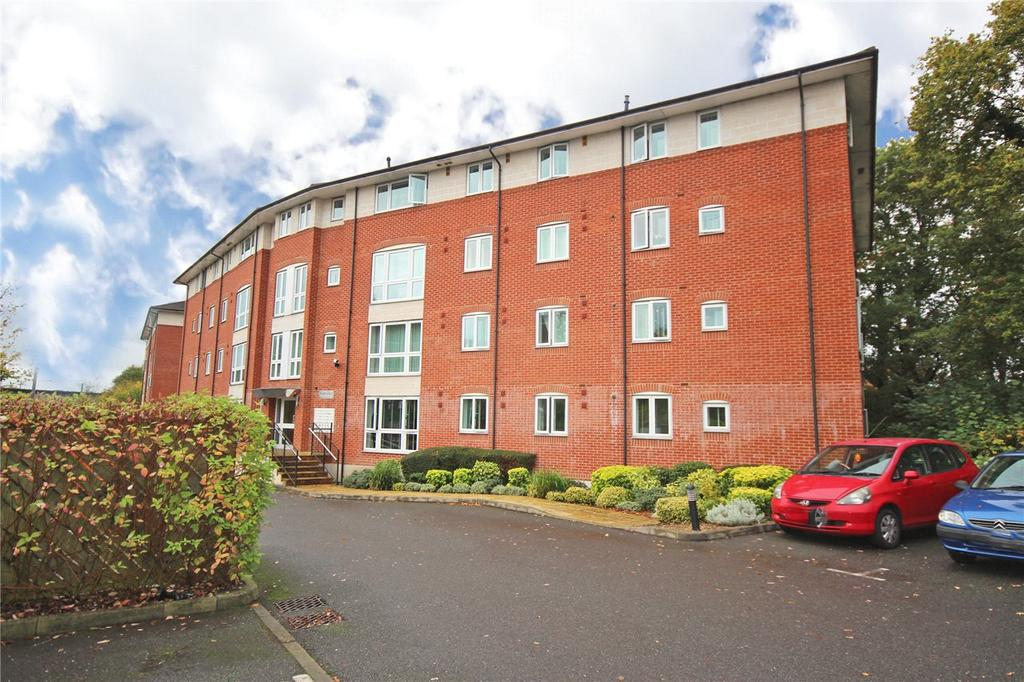 2 Bedrooms Flat for sale in Kings Place, North Drive, Hatfield, Hertfordshire