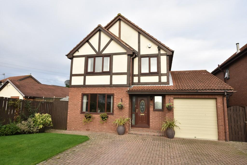 4 Bedrooms Detached House for sale in Fawley Close, Boldon Colliery