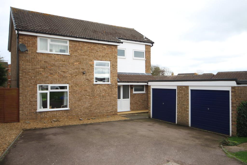 4 Bedrooms Detached House for sale in Redwood Avenue, Melton Mowbray