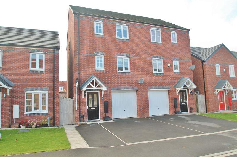 3 Bedrooms Semi Detached House for sale in Hoskins Lane, Middlesbrough