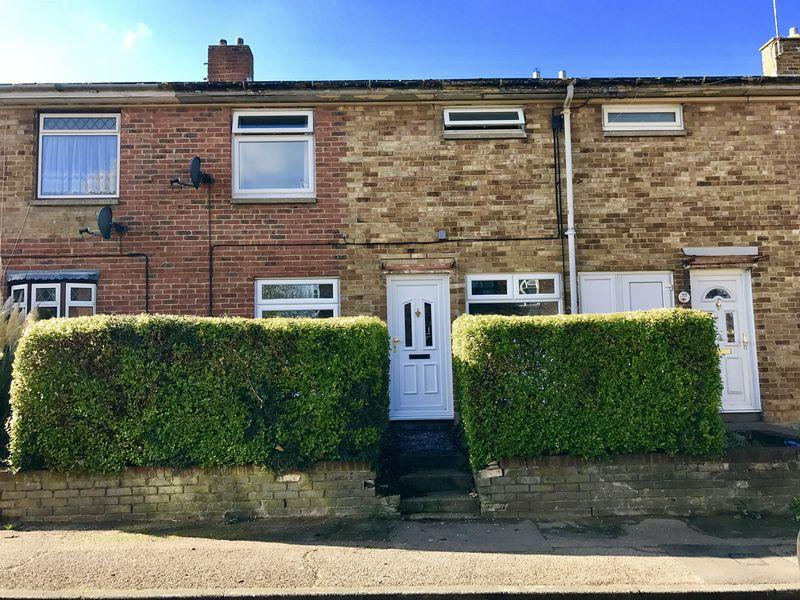 3 Bedrooms Terraced House for sale in Hollyfield, Harlow