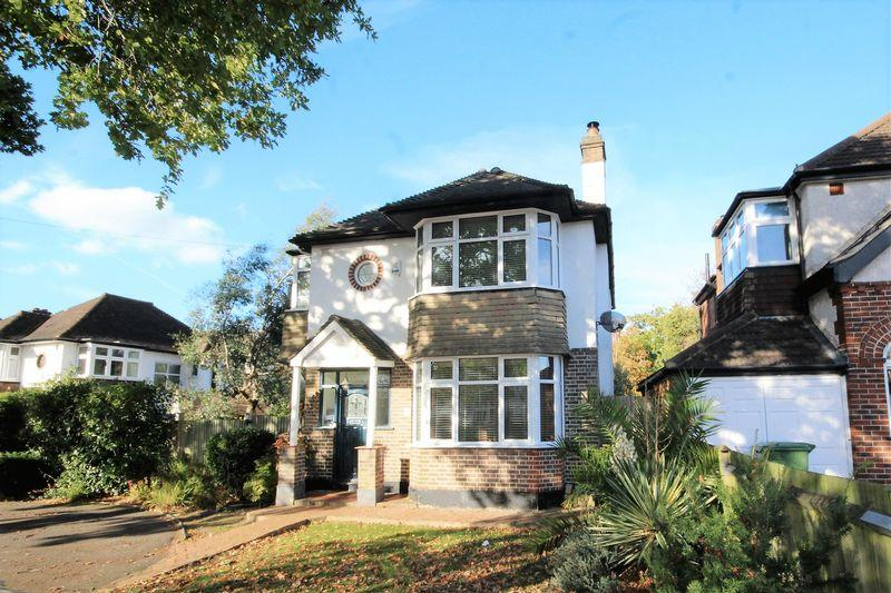 3 Bedrooms Detached House for sale in Pine Avenue, West Wickham
