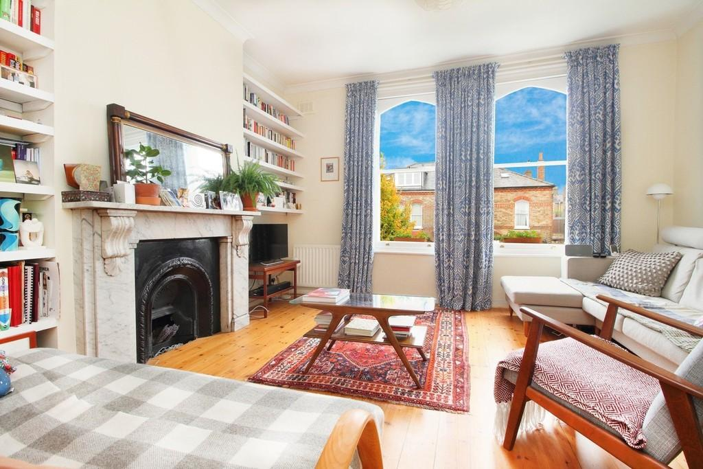 2 Bedrooms Apartment Flat for sale in Finsbury Park Road, N4 2JZ