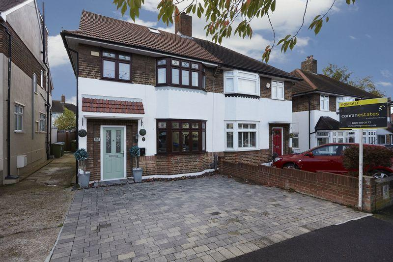 4 Bedrooms Semi Detached House for sale in Elibank road, Eltham SE9