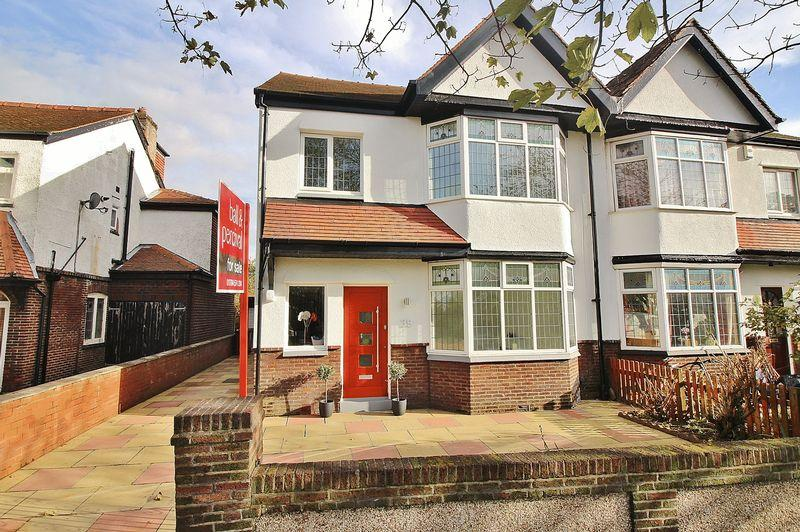 4 Bedrooms Semi Detached House for sale in Liverpool Avenue, Ainsdale