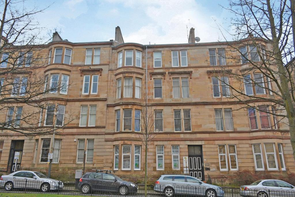 2 Bedrooms Flat for sale in Barrington Drive, Flat 3/1, Woodlands, Glasgow, G4 9ES