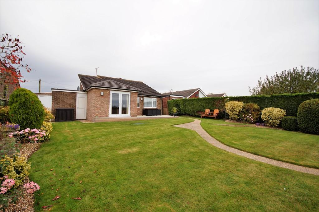 3 Bedrooms Detached Bungalow for sale in Highfields, Nettleham, Lincoln