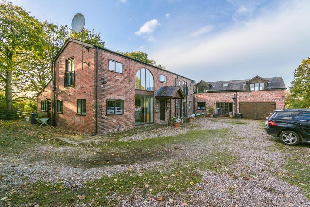 5 Bedrooms Farm House Character Property for sale in Brighton Grange Farm, Barton Moss Road