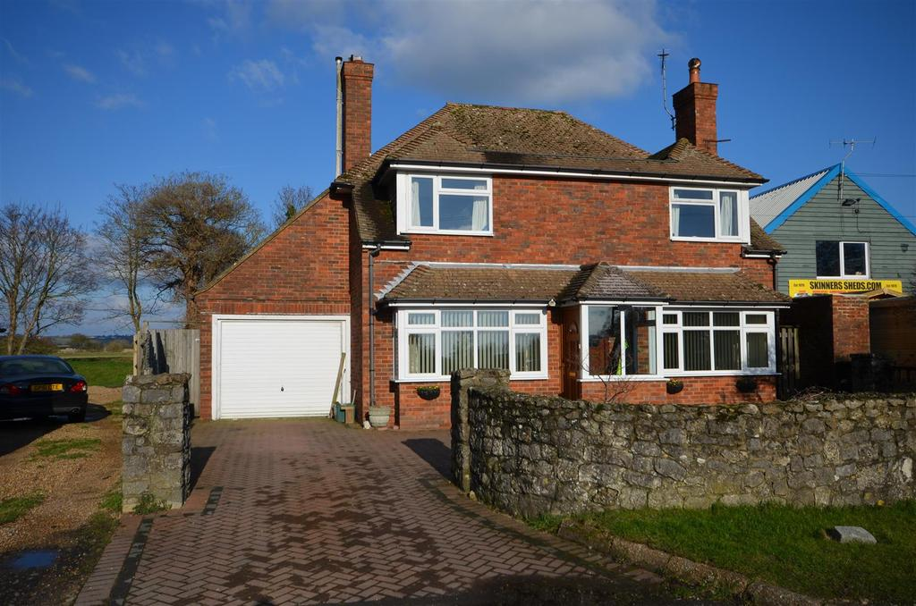 3 Bedrooms Detached House for sale in The Strand, Winchelsea