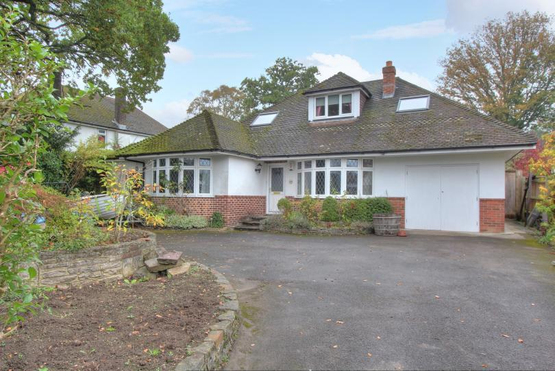 5 Bedrooms Chalet House for sale in Malibres Road, Hiltingbury, Chandlers Ford