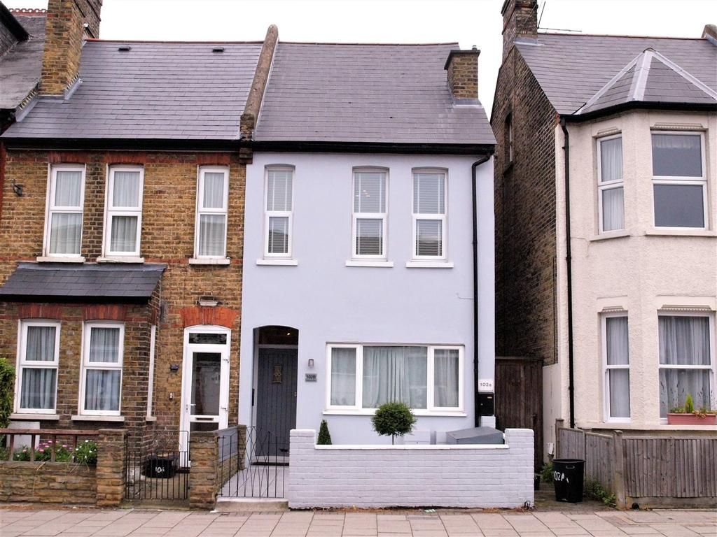 2 Bedrooms Maisonette Flat for sale in London Road, Bromley, BR1