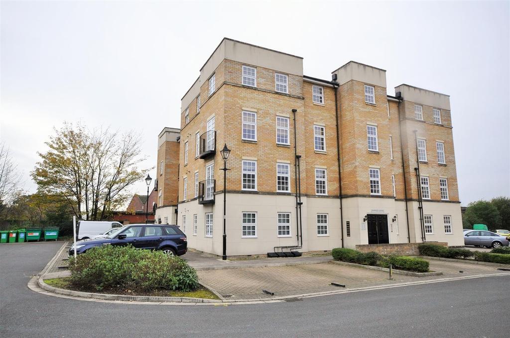 2 Bedrooms Apartment Flat for sale in Bishopfields Cloisters, Leeman Road, York YO26 4ZL