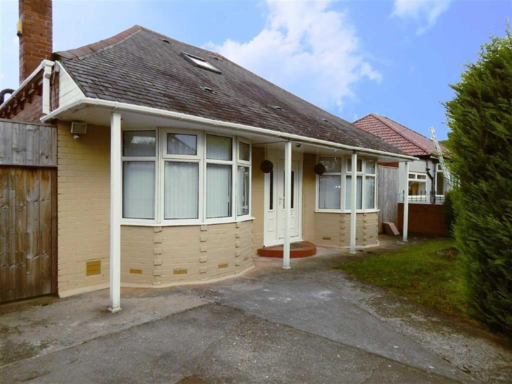 3 Bedrooms Detached Bungalow for sale in Scrogg Road, Walkergate, Newcastle Upon Tyne, NE6