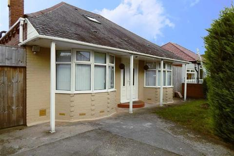 3 bedroom detached bungalow for sale - Scrogg Road, Walkergate, Newcastle Upon Tyne, NE6