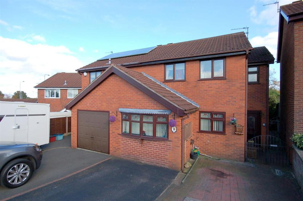 3 Bedrooms Semi Detached House for sale in Tollgate Close, Talke