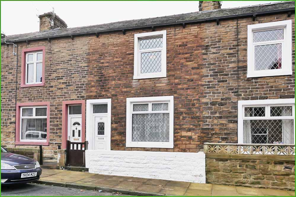 2 Bedrooms Terraced House for sale in Lower West Avenue, Barnoldswick BB18