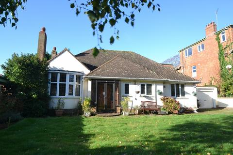 3 bedroom bungalow for sale - Southbourne
