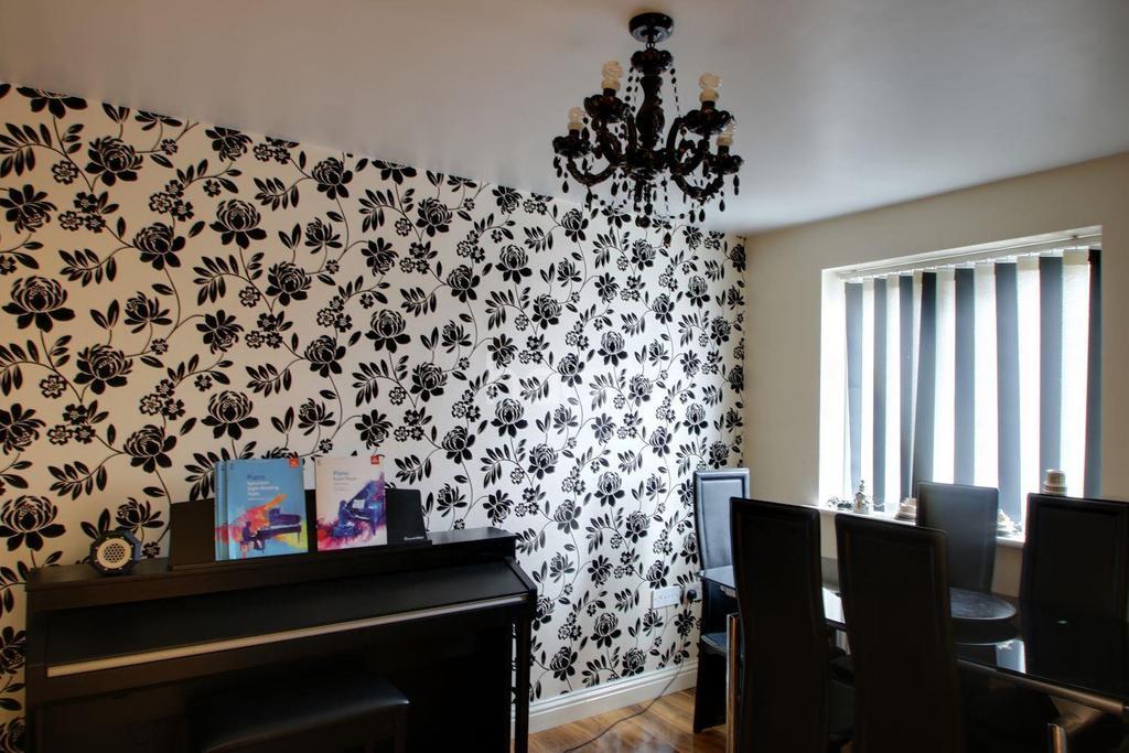 4 Bedrooms Detached House for sale in Milton Keynes