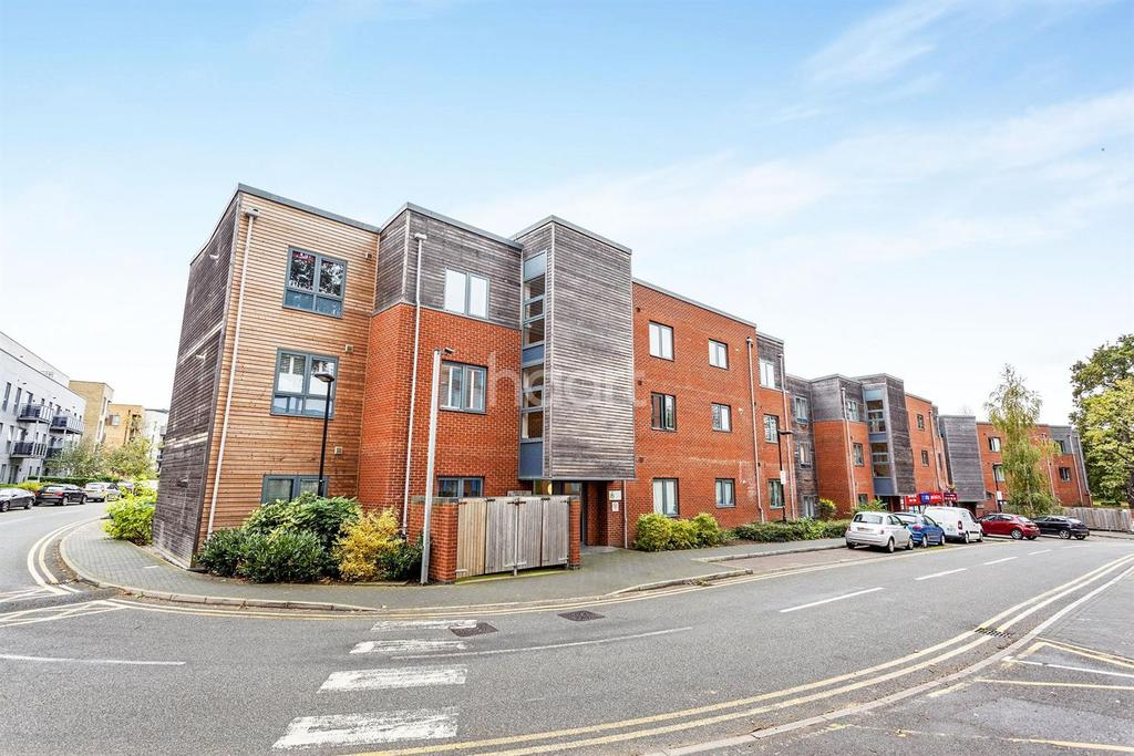 2 Bedrooms Flat for sale in Whitman Court, St Georges Grove, SW17