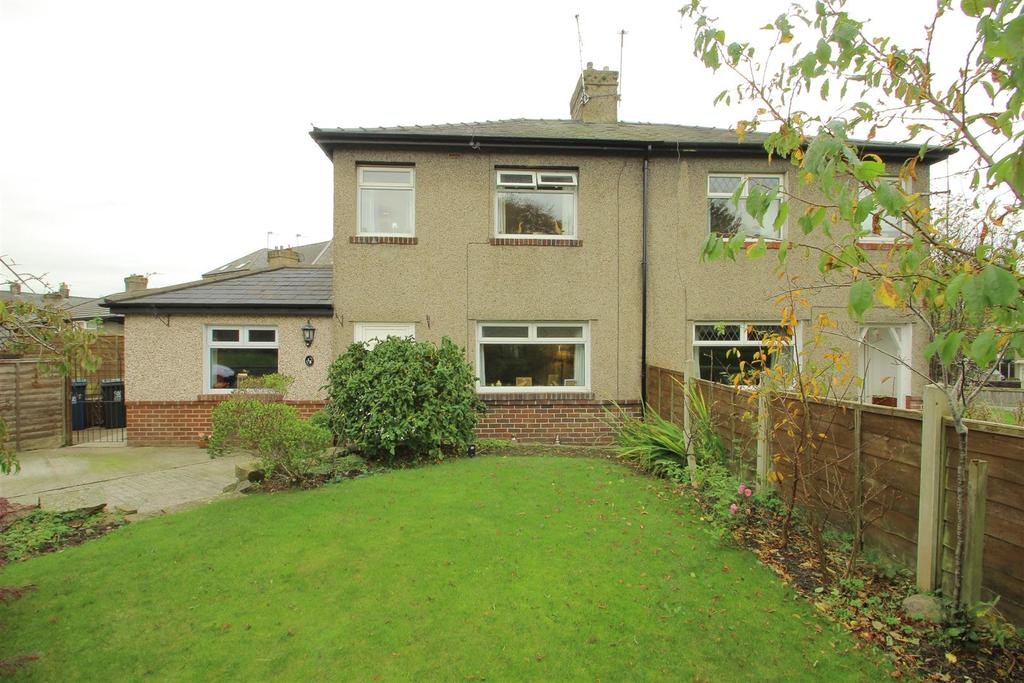 3 Bedrooms Semi Detached House for sale in Thorn Street, Clitheroe