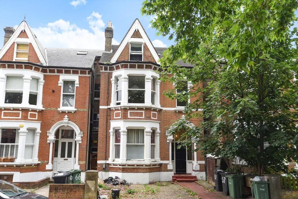 3 Bedrooms Flat for sale in Mount Nod Road, Streatham