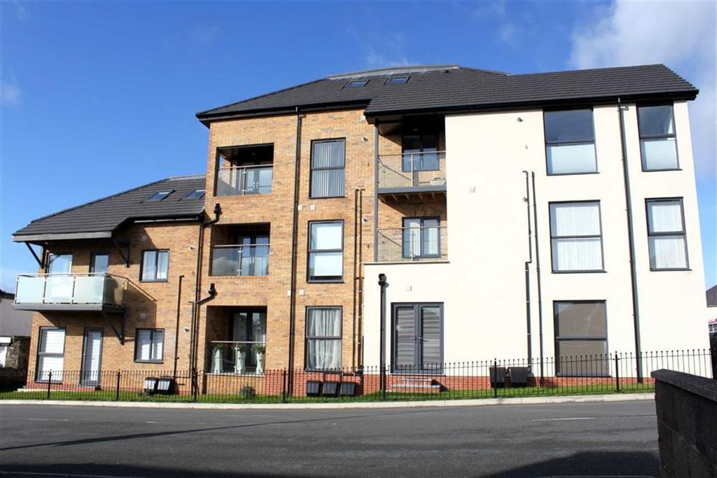 3 Bedrooms Apartment Flat for sale in Pentywyn Road, Deganwy, Conwy