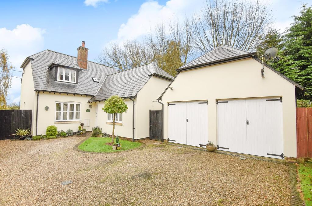 4 Bedrooms Detached House for sale in Old Moat Close, Bognor Regis, PO22