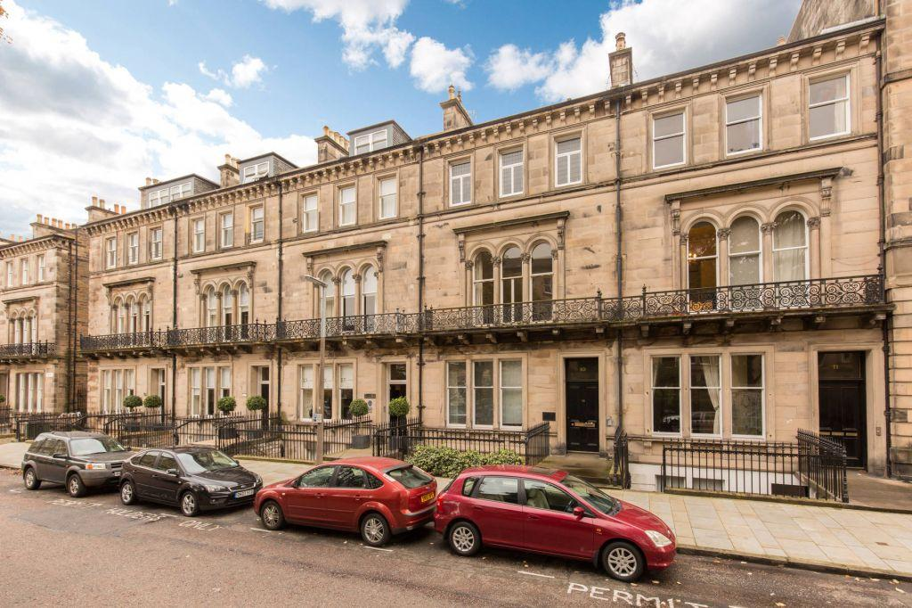 2 Bedrooms Ground Flat for sale in 10A, Rothesay Place, West End, Edinburgh, EH3 7SL