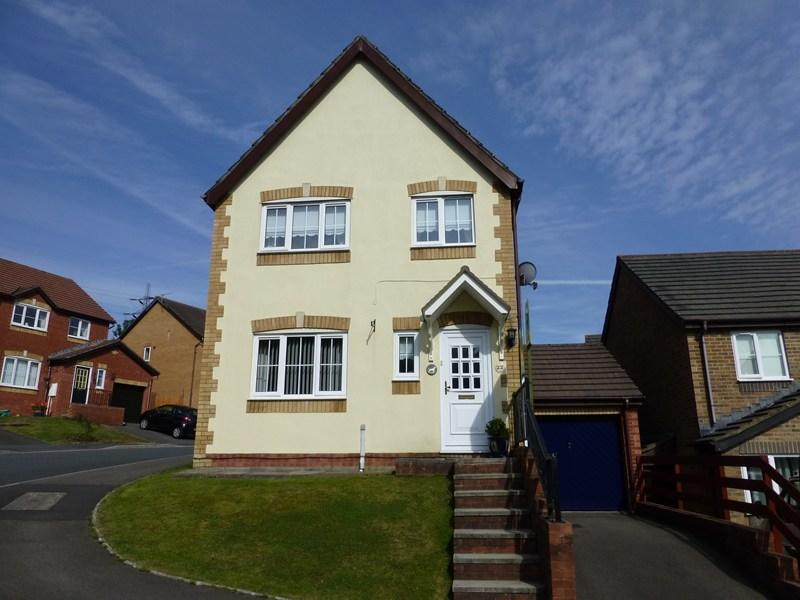 3 Bedrooms Detached House for sale in Derwen Las, Caerphilly